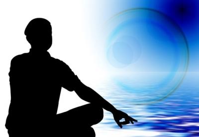 uomo in meditazione