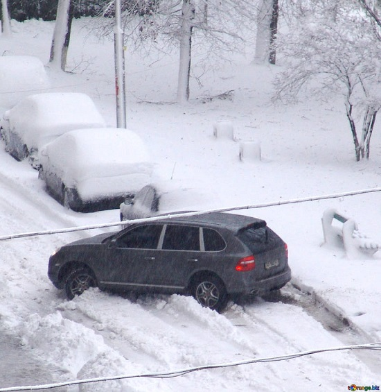 Free picture (The car got stuck in snow) from https://torange.biz/car-got-stuck-snow-3411